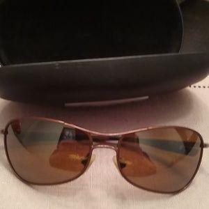 8ccdc4dfb9 Polarized Revo sun glasses